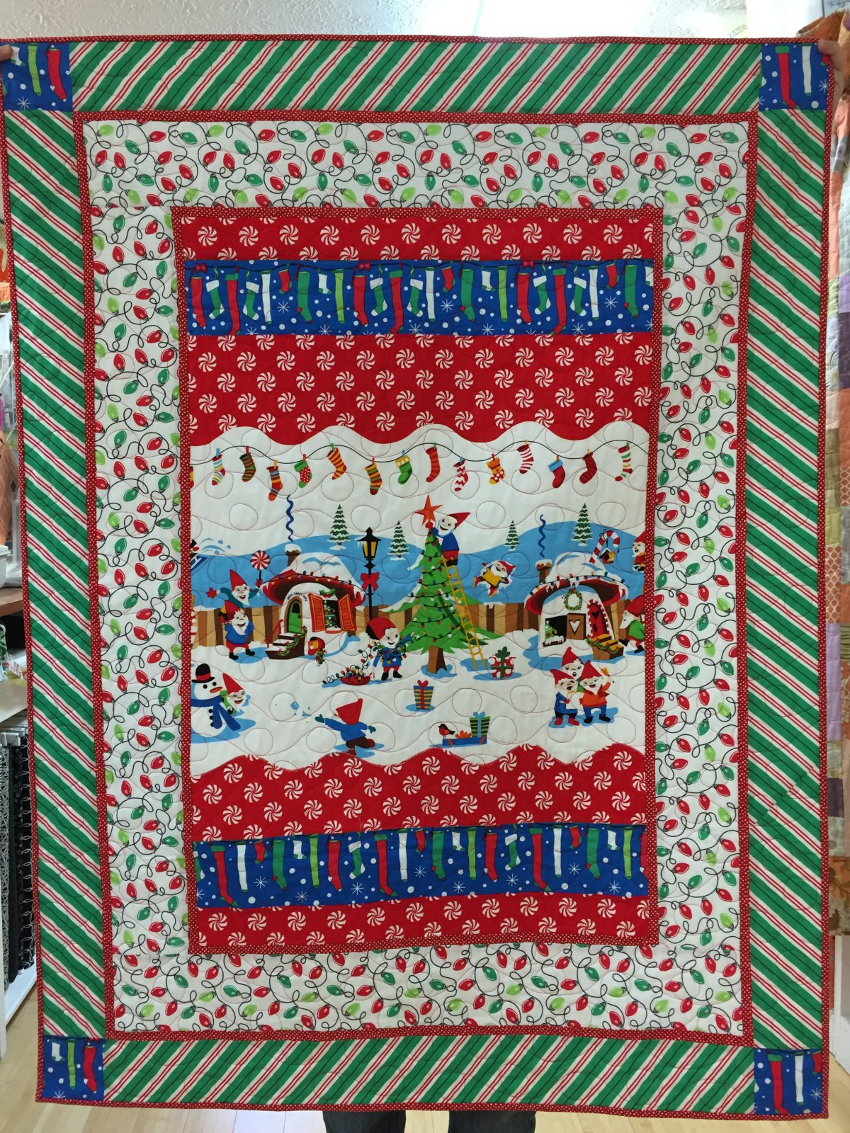 Holly Jolly Gnomes quilt kit (40x52)
