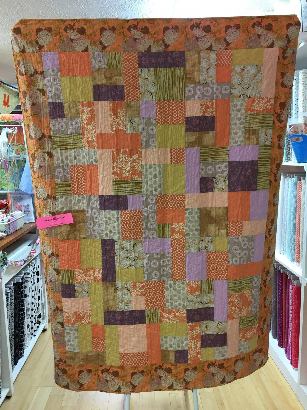 Mellow Brick Road quilt kit (57x75)