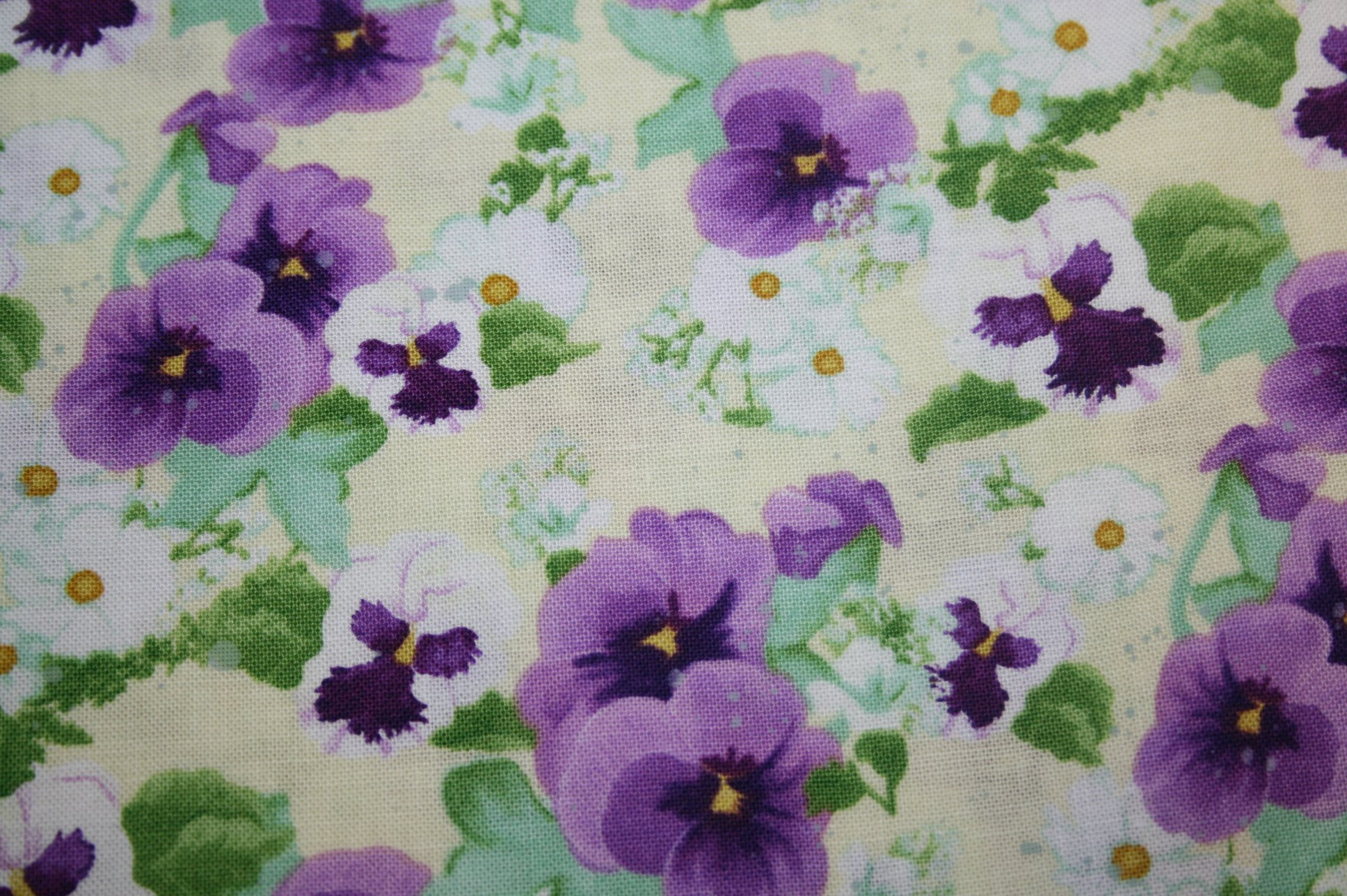 Hoppy Easter B-9429-44 (Colored Pansies on Pale Yellow with Leaves)