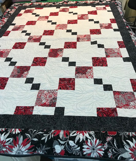 QUILT - Nine Patch Chain Red White Black 54 x 71