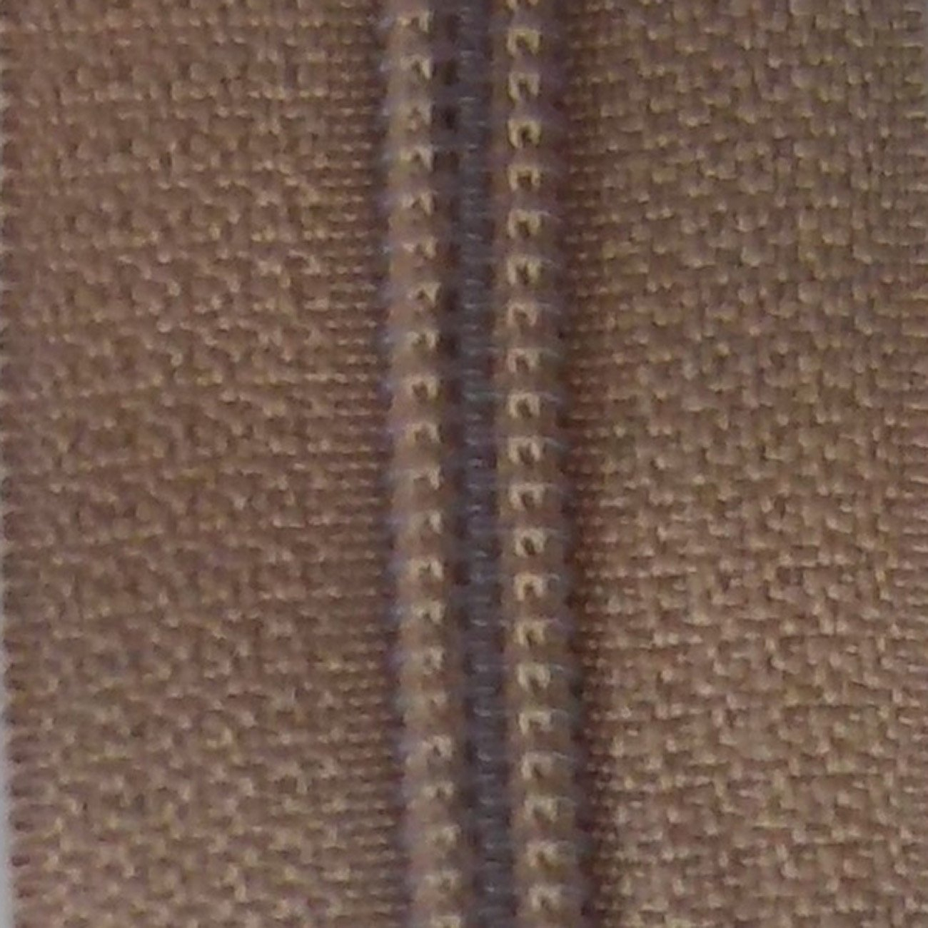 30 Double Pull Non Separating Zipper Natural