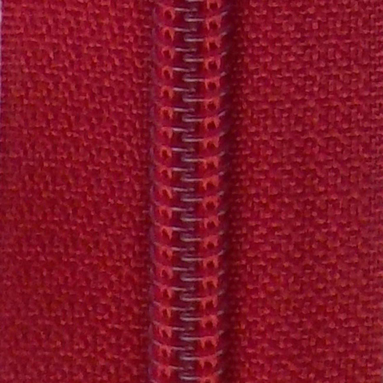 30 Double Pull Non Separating Zipper True Red