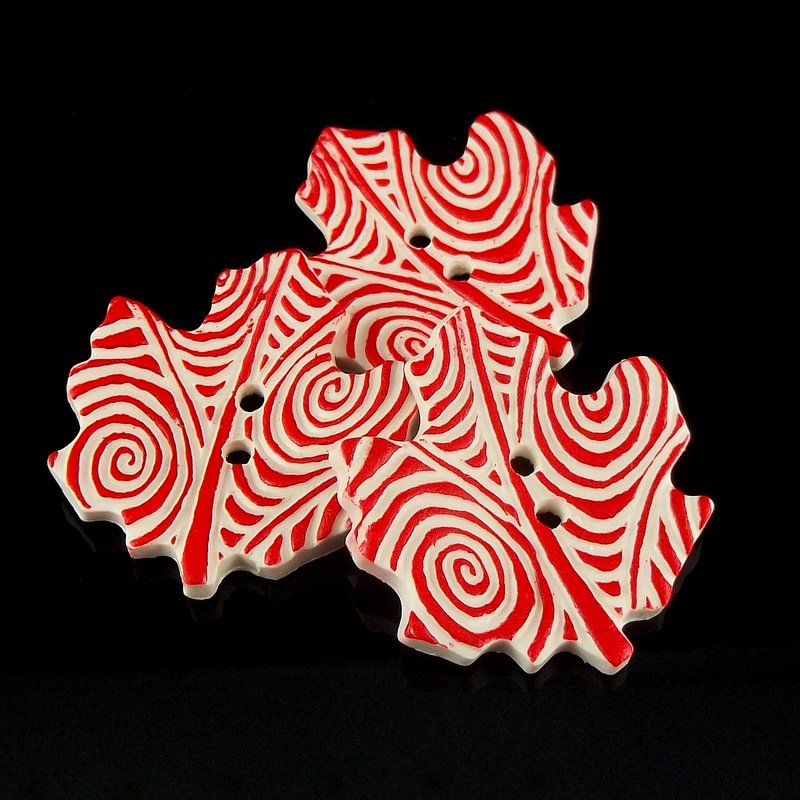 Maple Leaf Red/White Large