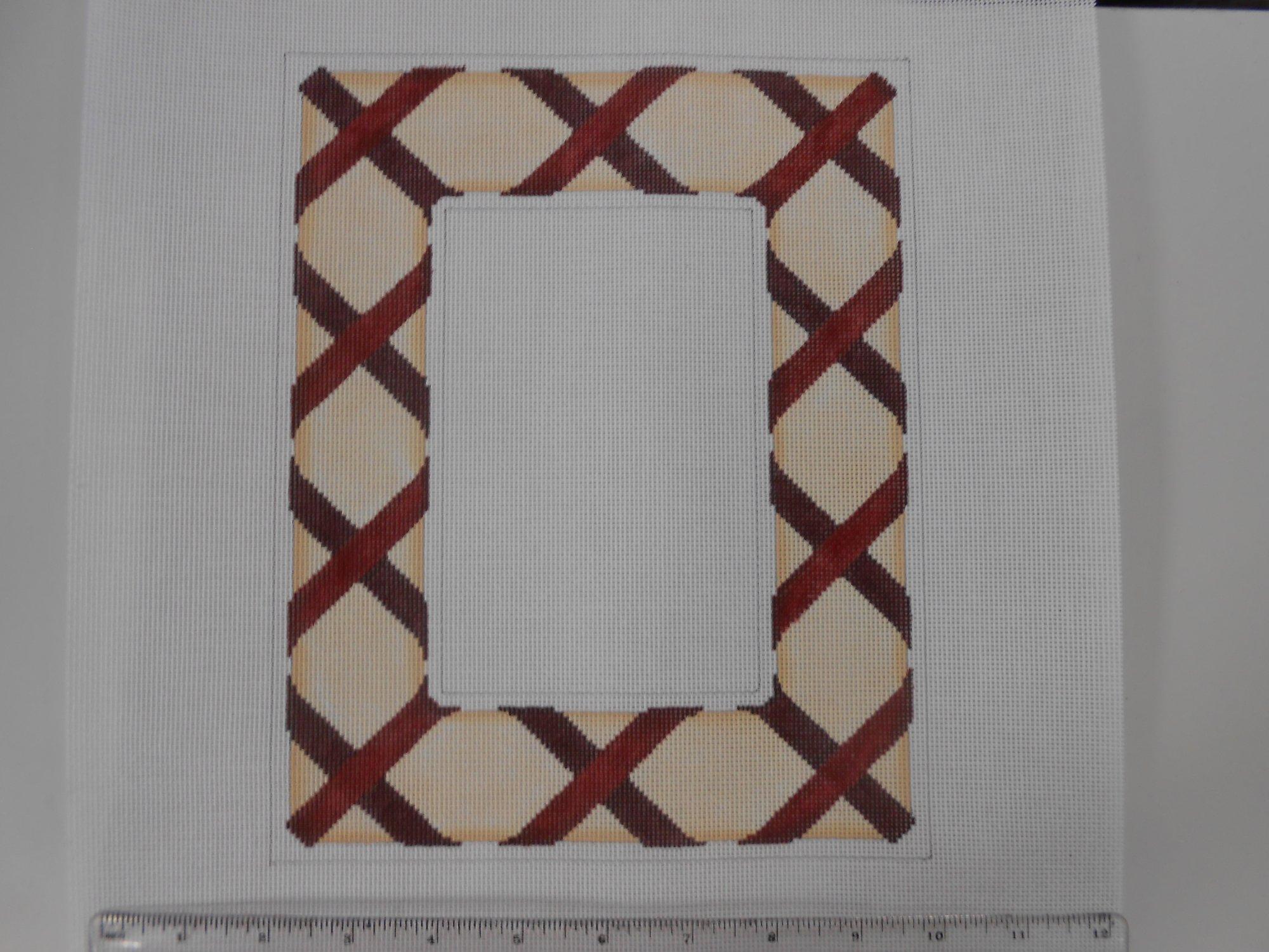Red Lattice Ribbon Frame