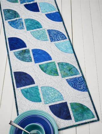 Cut Loose Press - Drunkard's Path Table Runner Pattern