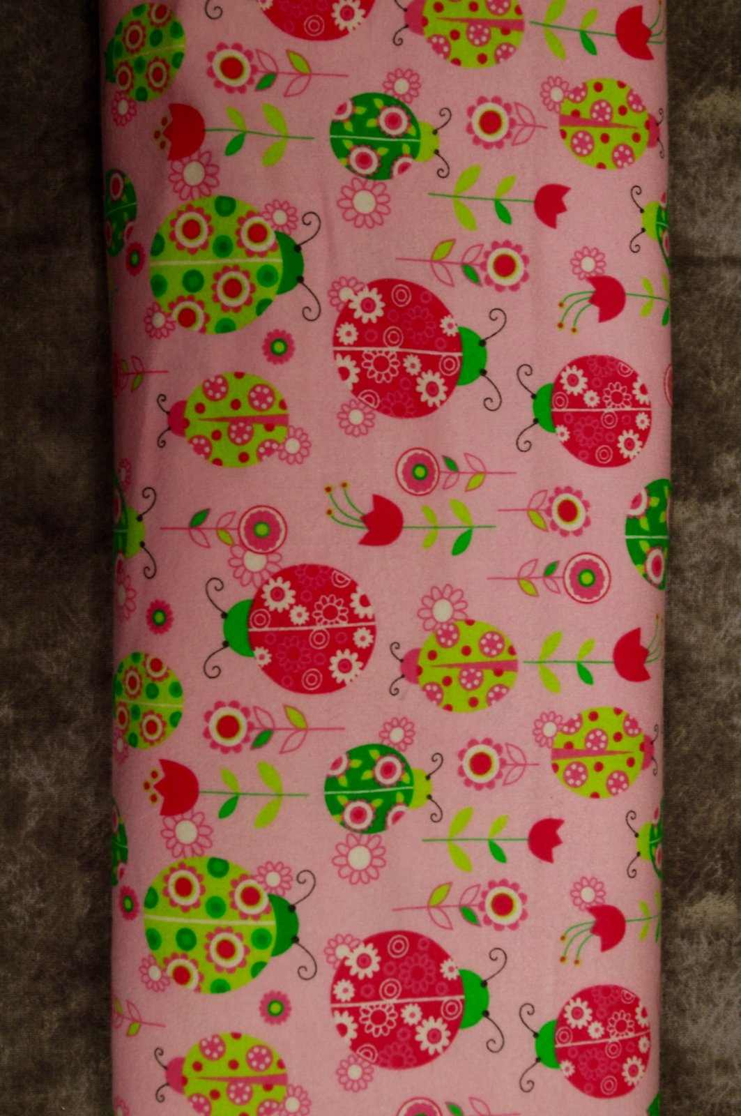 Flatfold Flannel - Pink/Green Ladybugs