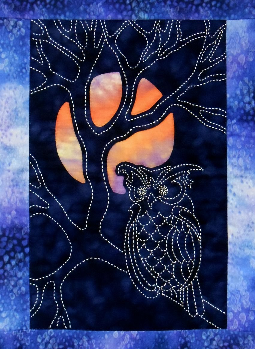 Sylvia Pippen Designs - Owl & Moon Wall Hanging Pattern