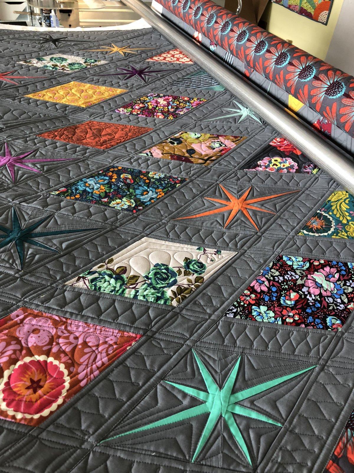 Atomic Starburst Quilt Kit Anna Maria Horner 62 x 66