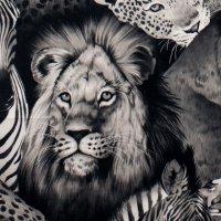 Lion Eyes Black / White