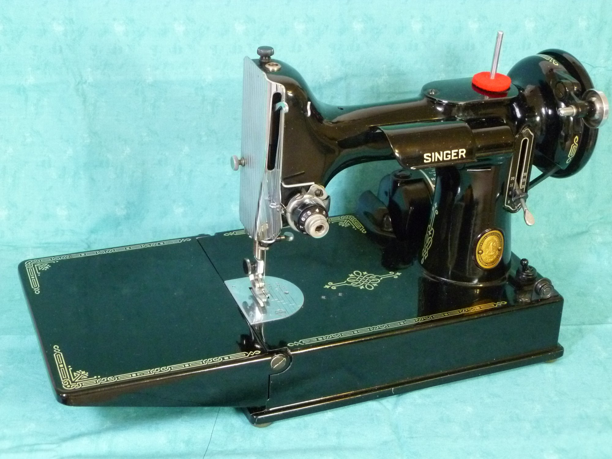 singer 221 featherweight dating Find any and all replacement parts for your singer featherweight sewing machine here at sewingmachinespluscom we offer great prices and fast shipping.