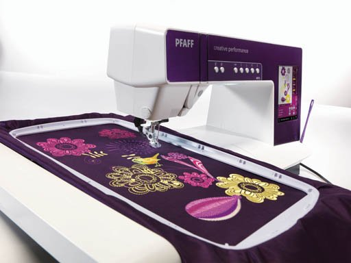 Pfaff Creative Performance Sewing Machine