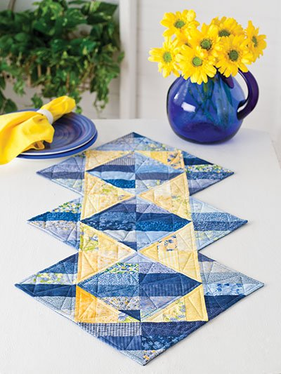 EXCLUSIVELY ANNIE'S QUILT DESIGNS: Triangle Illusions Runner Pattern