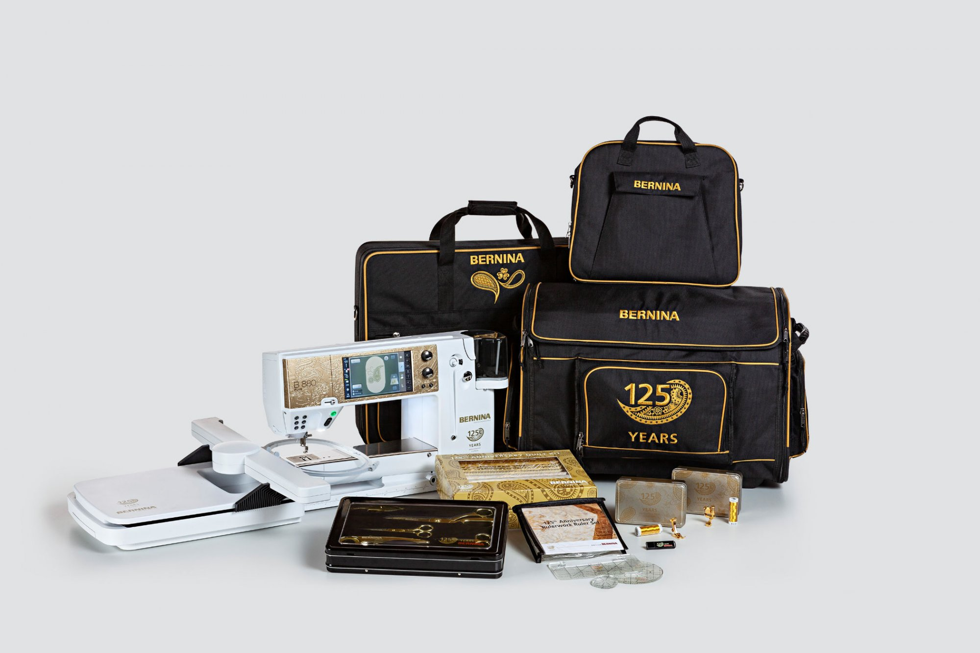 BERNINA B790SE PLUS GOLD  W/EMB-CLOSEOUT