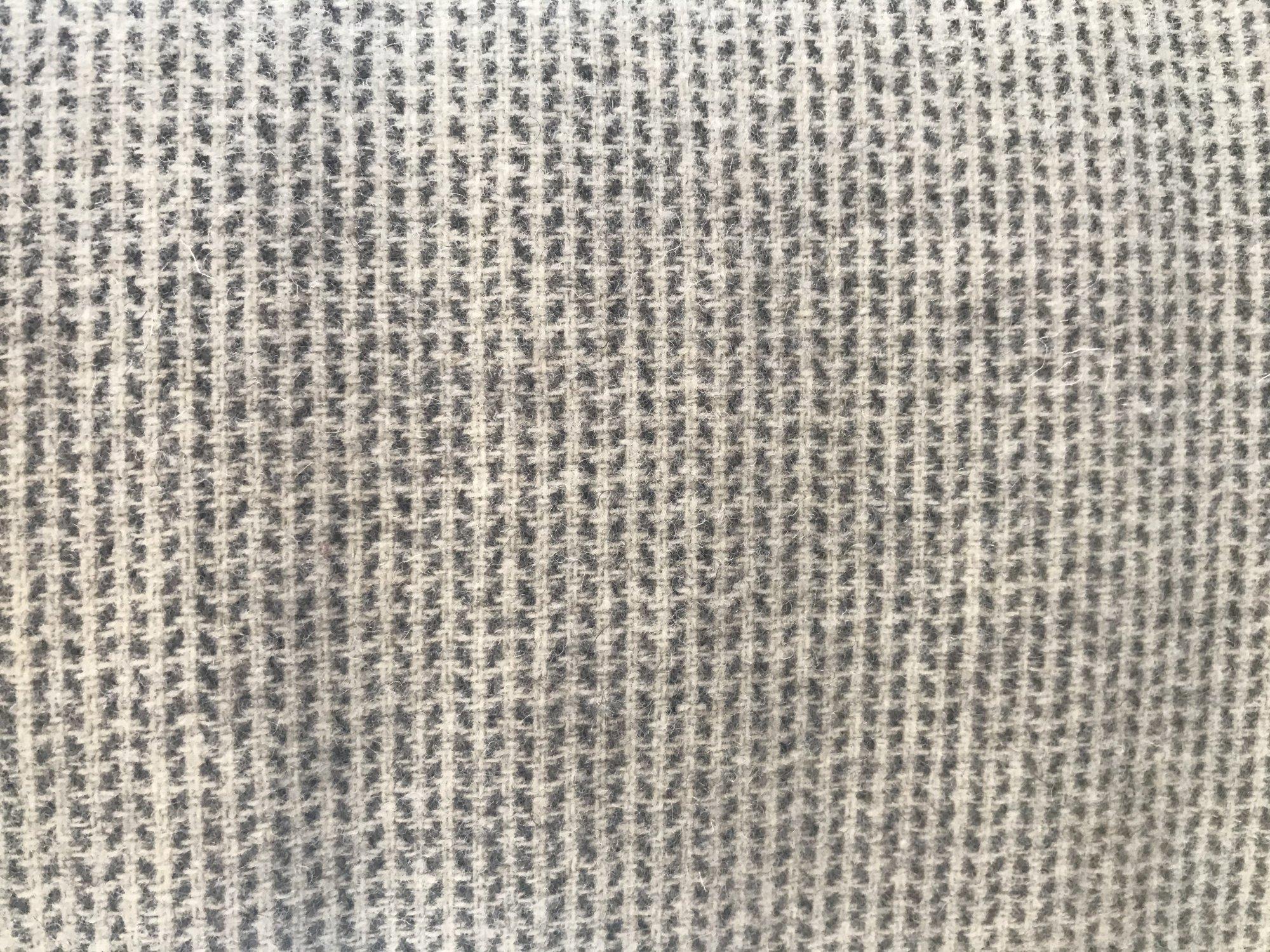 Seeds 9 X 14 100% Wool