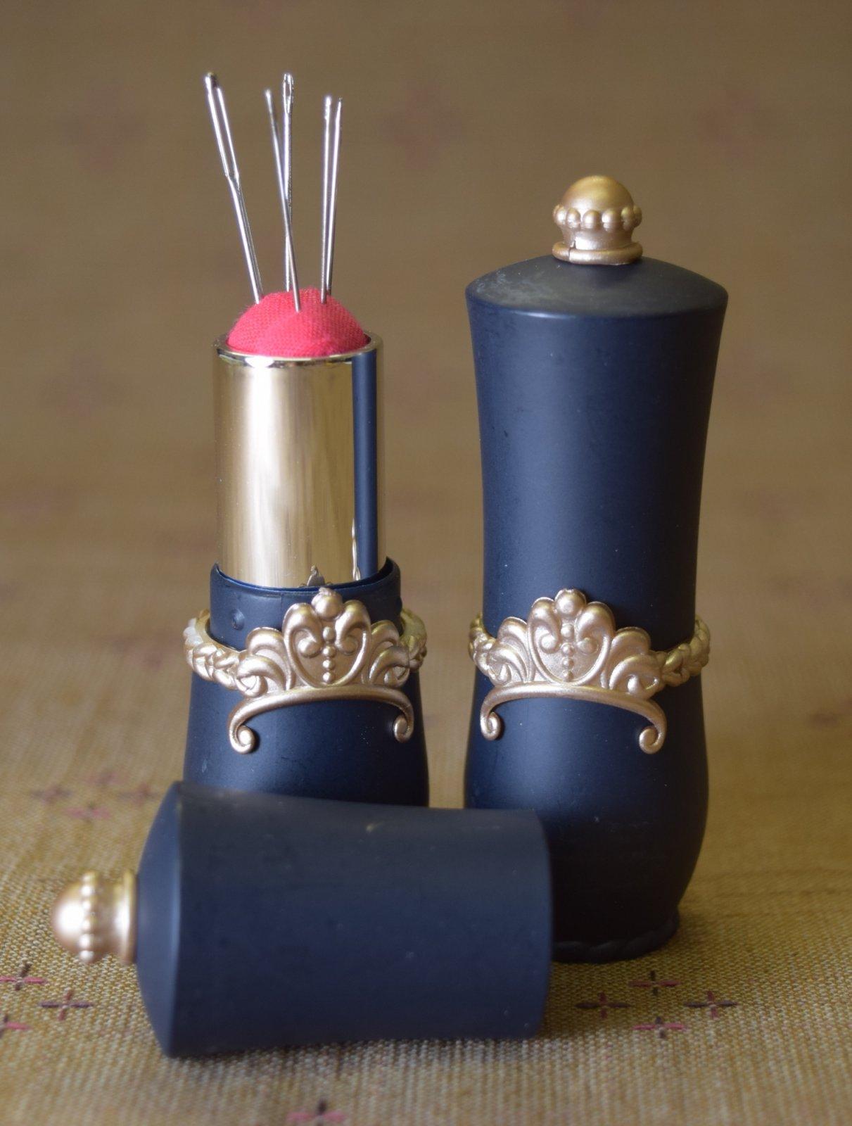 Travel Lipstick Needle Holder