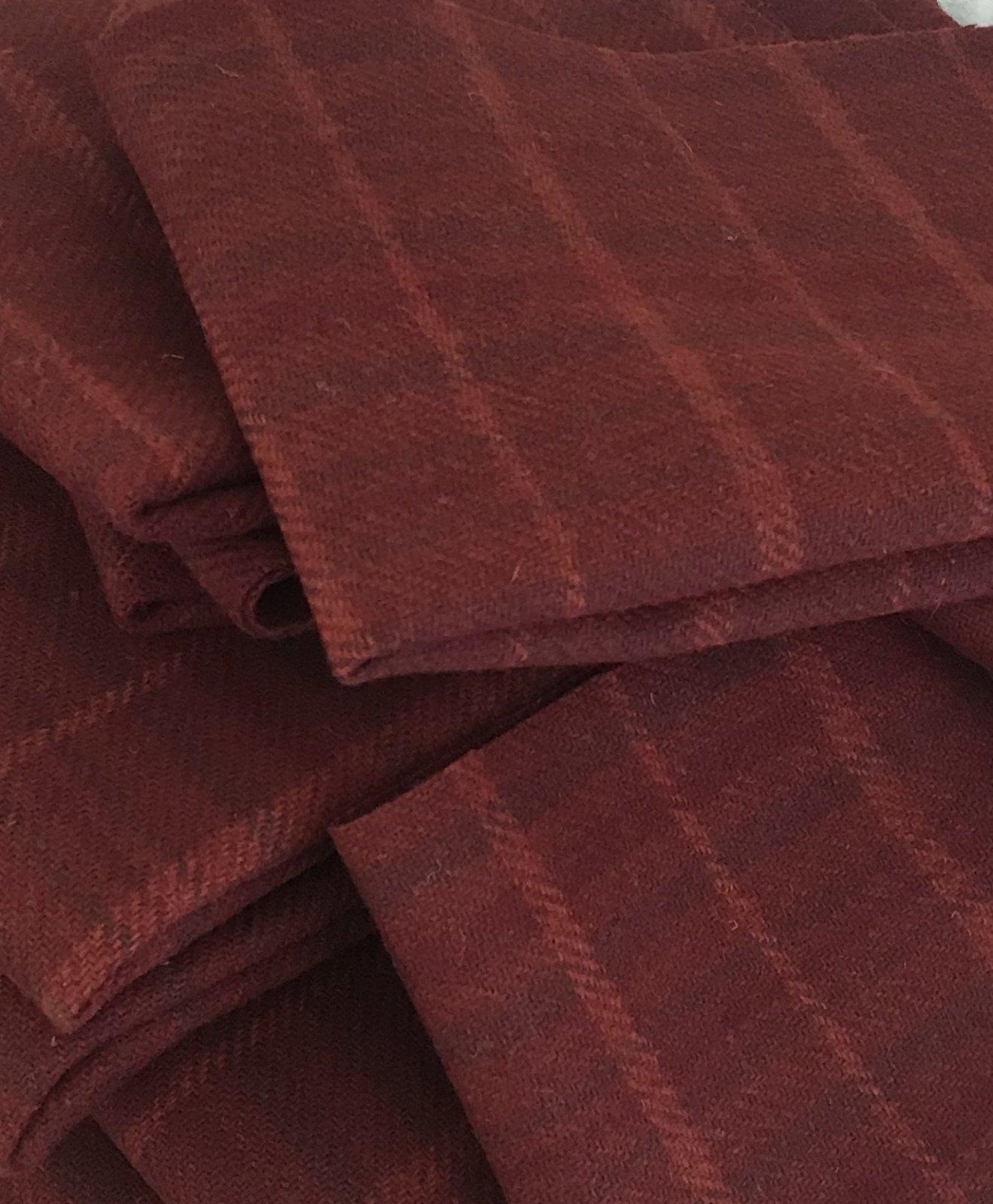 Betta Red 18 X 21 100% Wool