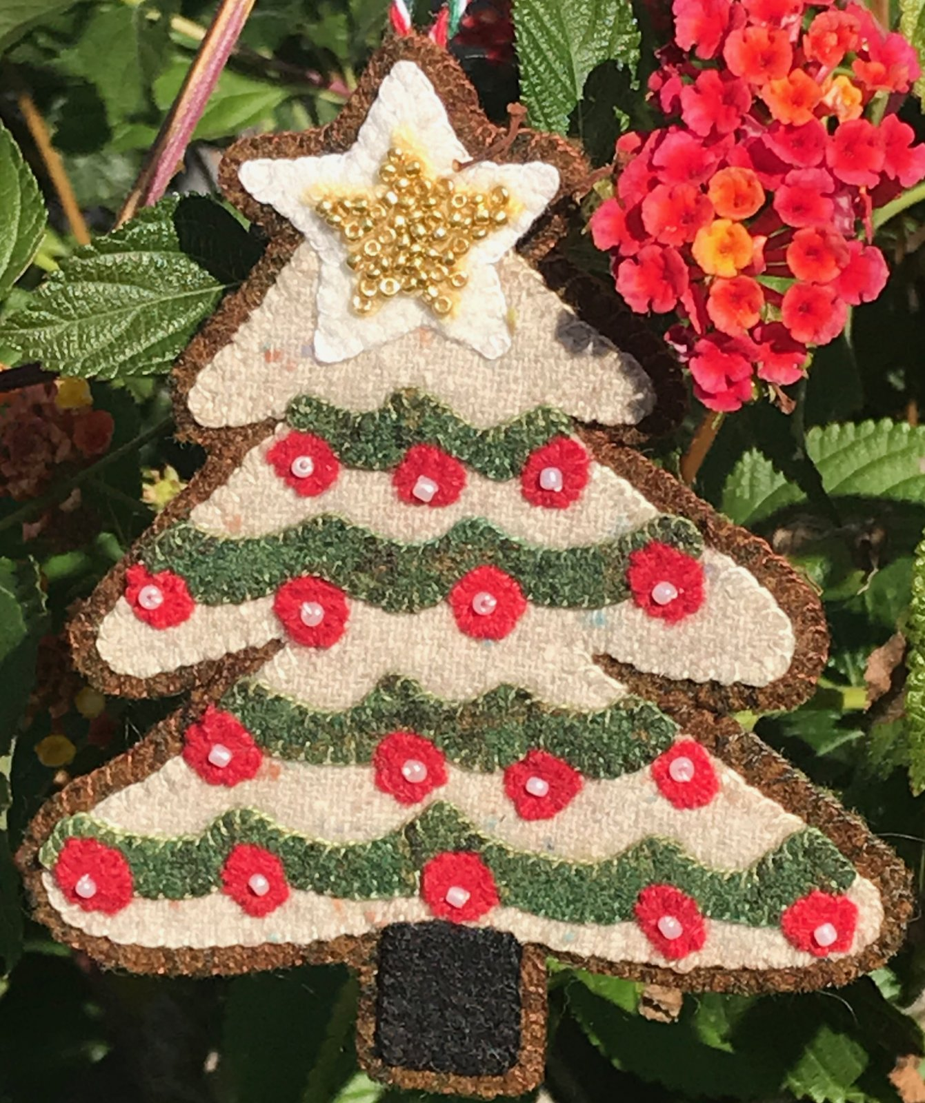 Glitter Star Christmas Tree Ornament #7 Wool Kit with Printed Pattern