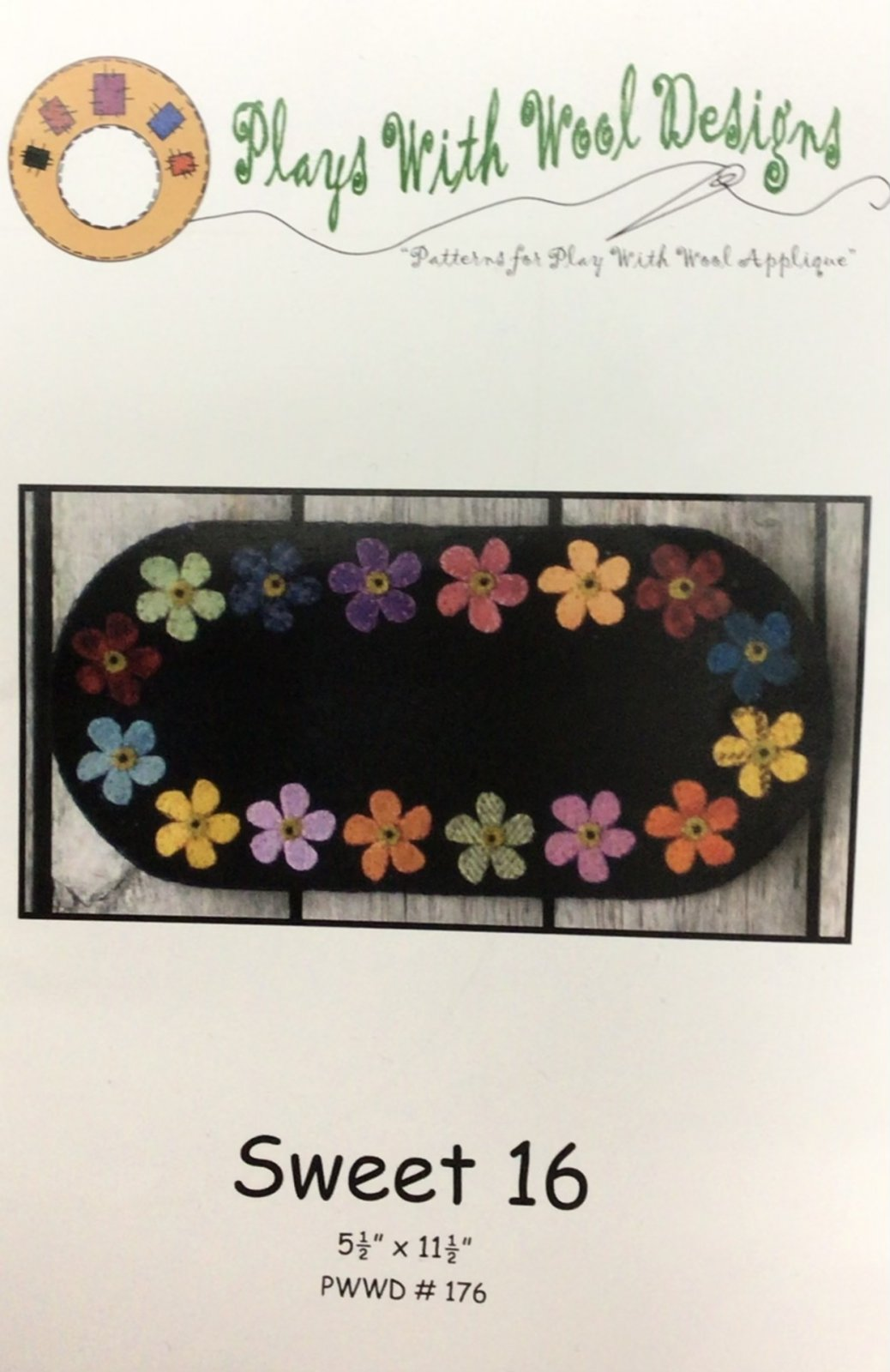 Sweet 16 Small oval flower candle mat