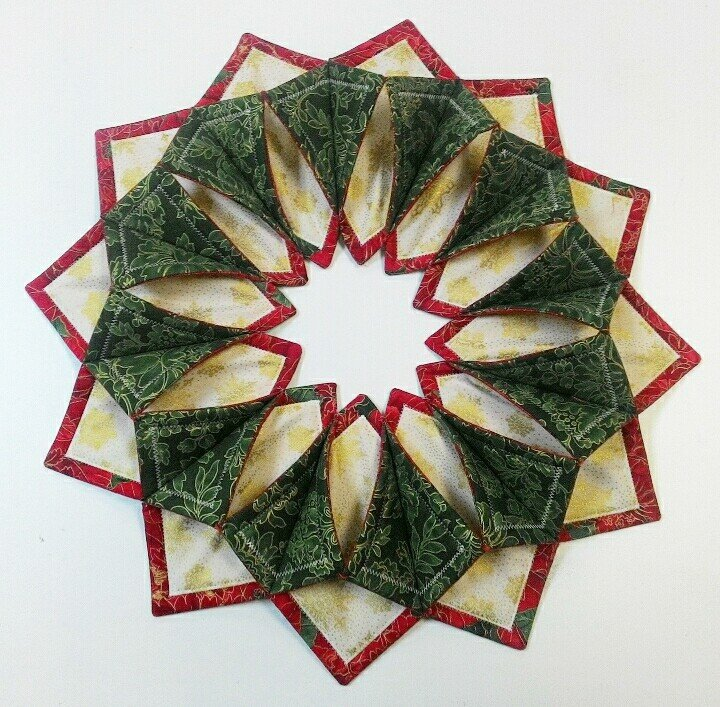 Fold 'n Stitch Wreath Class Adorable Fold And Stitch Wreath Pattern