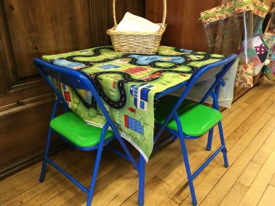Table with panel cloth