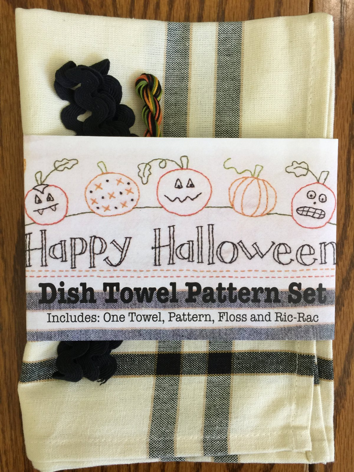Happy Halloween Dishtowel Kit & Pattern