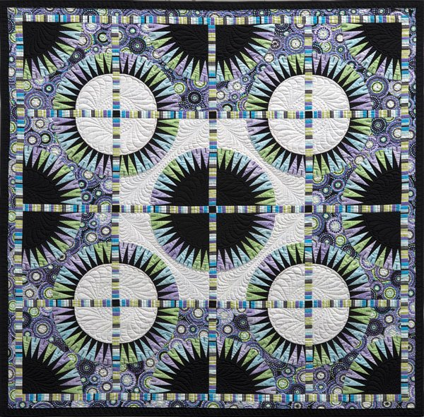 Black Beauty By Jacqueline de Jonge <br> Becolourful Quilts
