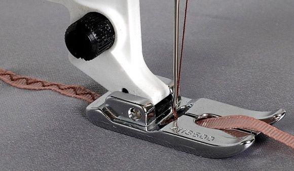 Braiding Foot