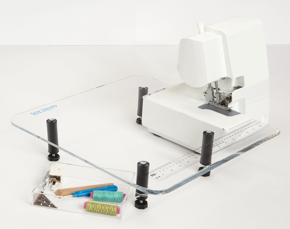 Table Serger/Small 18 x 18
