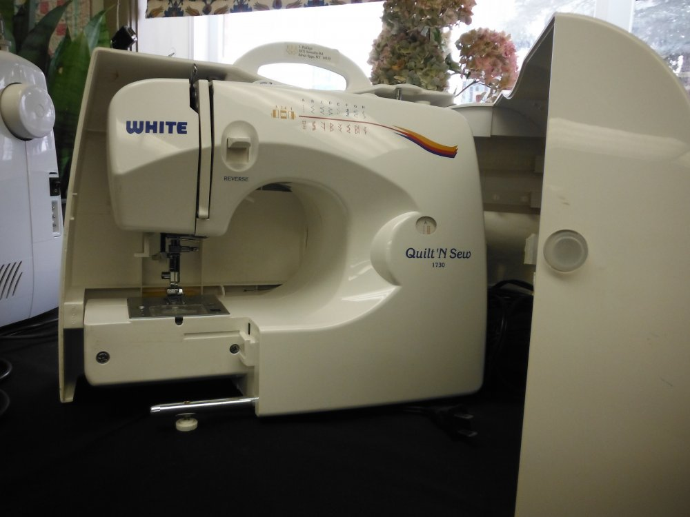 White 40 Quilt N Sew Trade In Cool White Sewing Machine Model 622
