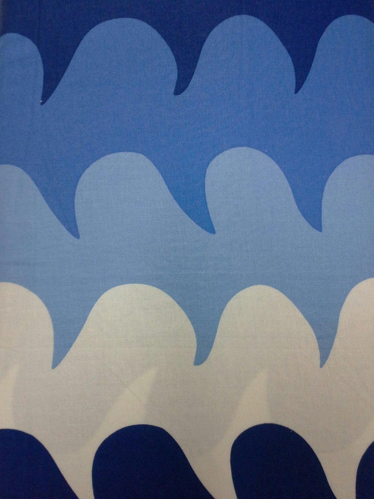 Beach House (Blue) (F2258)