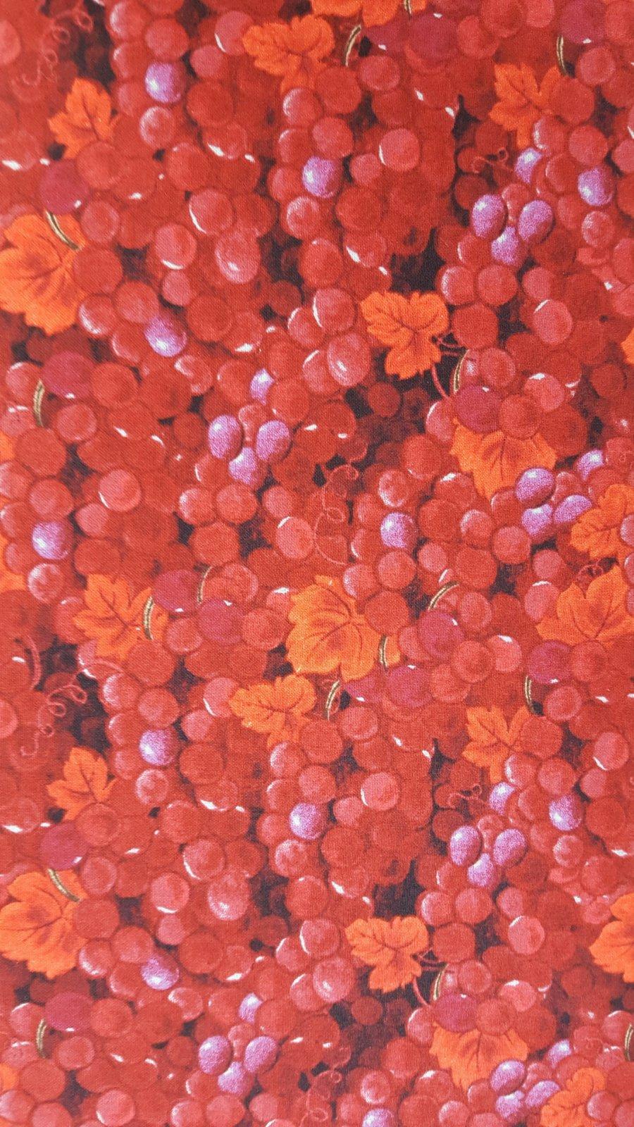 It's Wine O'Clock Red Grapes (F2654)