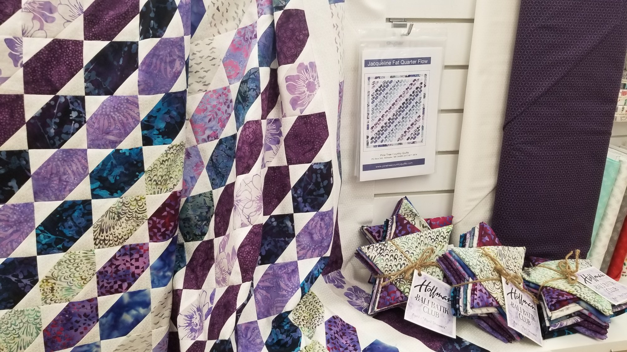 Jacqueline Fat Quarter Flow - Quilt Kit