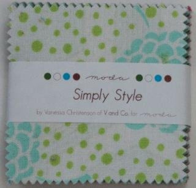 Simply Style- Mini Charm