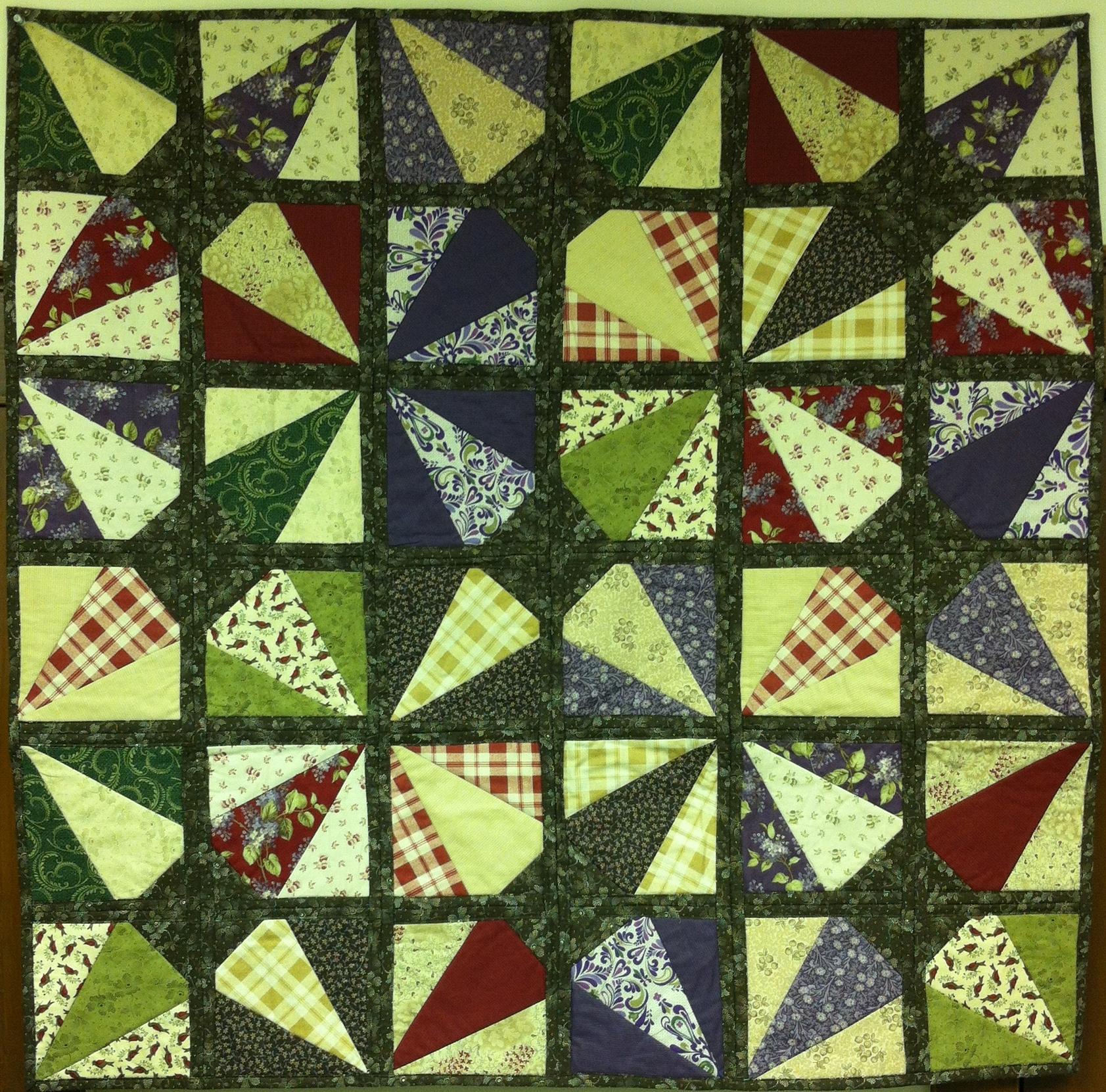 Criss Cross Quilt (44.5 x 44.5)