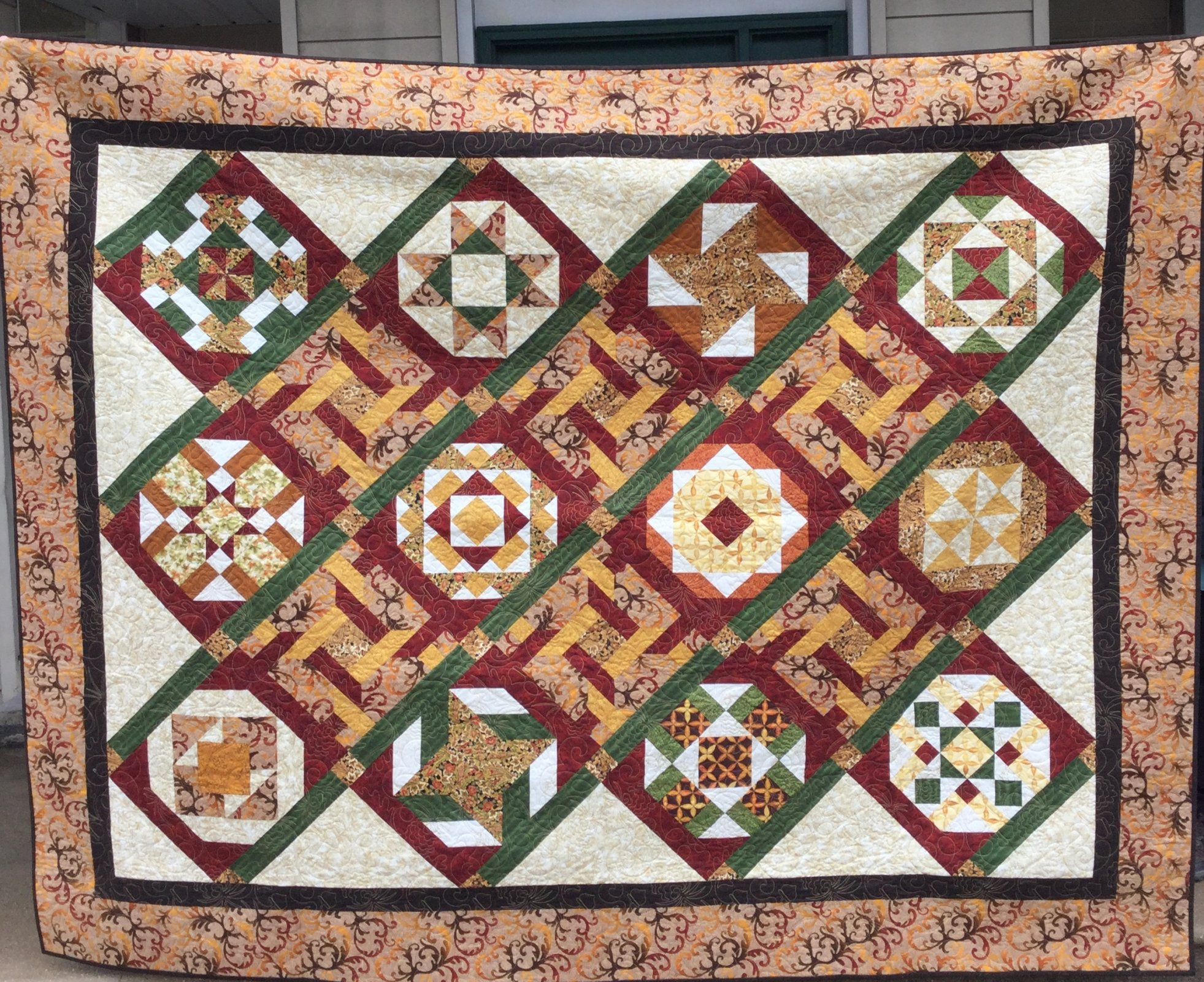 Shades of the Season Quilt (92 x 75)