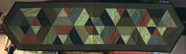 Tossed Hexies Table Runner (16 x 60)