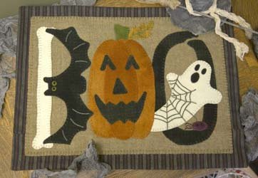 Batty BOO Woolen Mat * KIT and Pattern