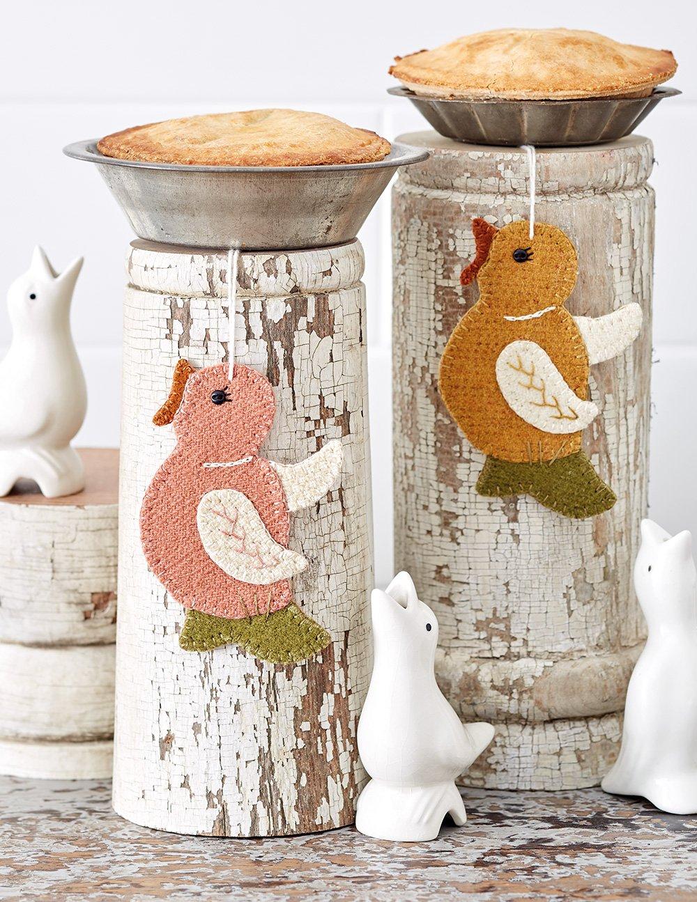 Buttermilk Basin's Vintage Vibe * Pie Bird Party Ornaments Kit