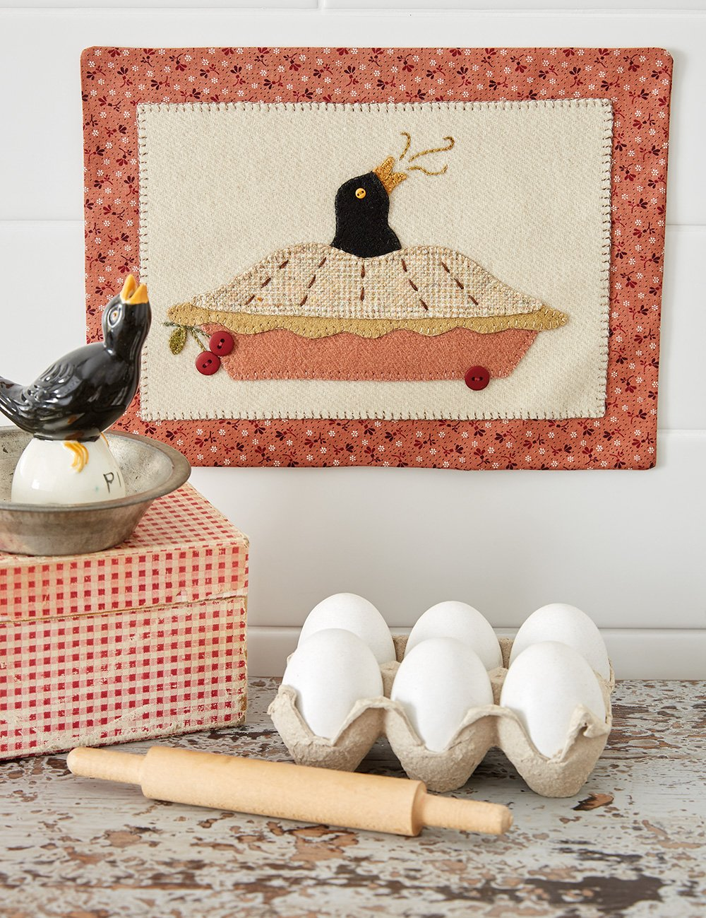 Buttermilk Basin's Vintage Vibe * Pie Bird Party Wall Hanging Kit