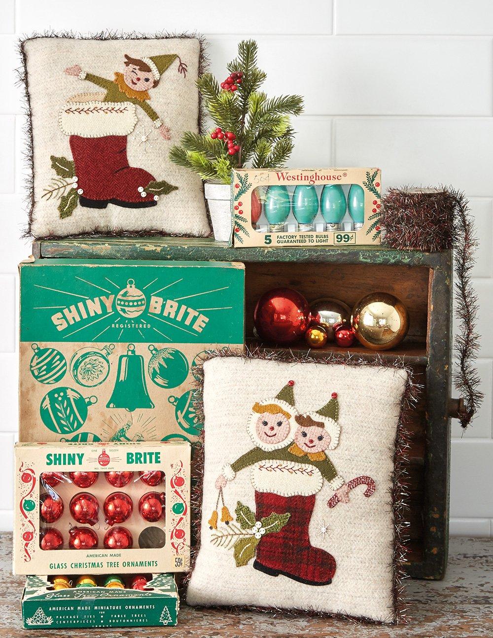Buttermilk Basin's Vintage Vibe * Trio of Santa Boot Pillows Kit