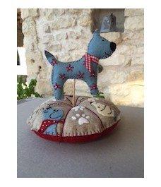 Dog Pincushion (Pique Epingle Chien)