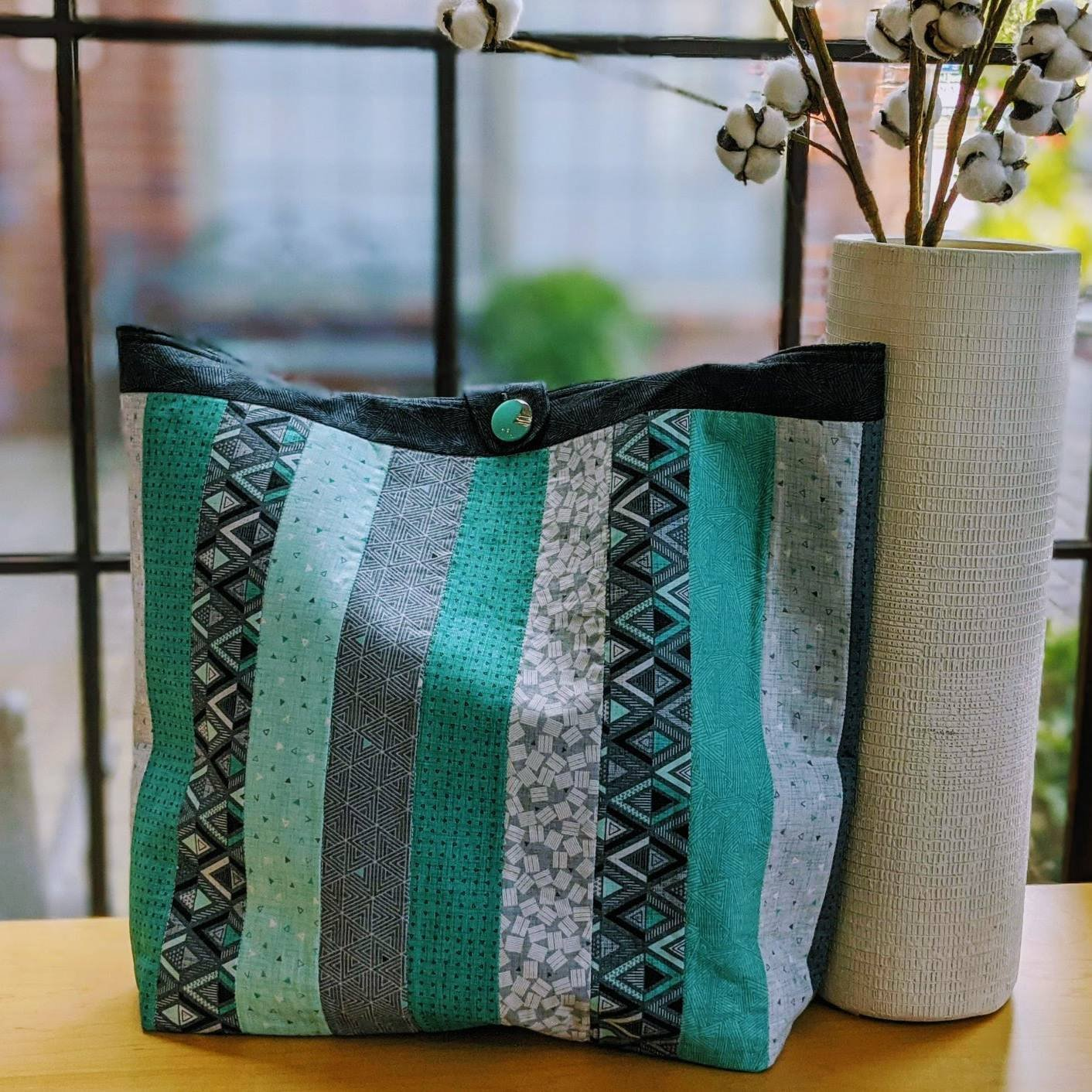 Cosmo Bag (15x6x17)