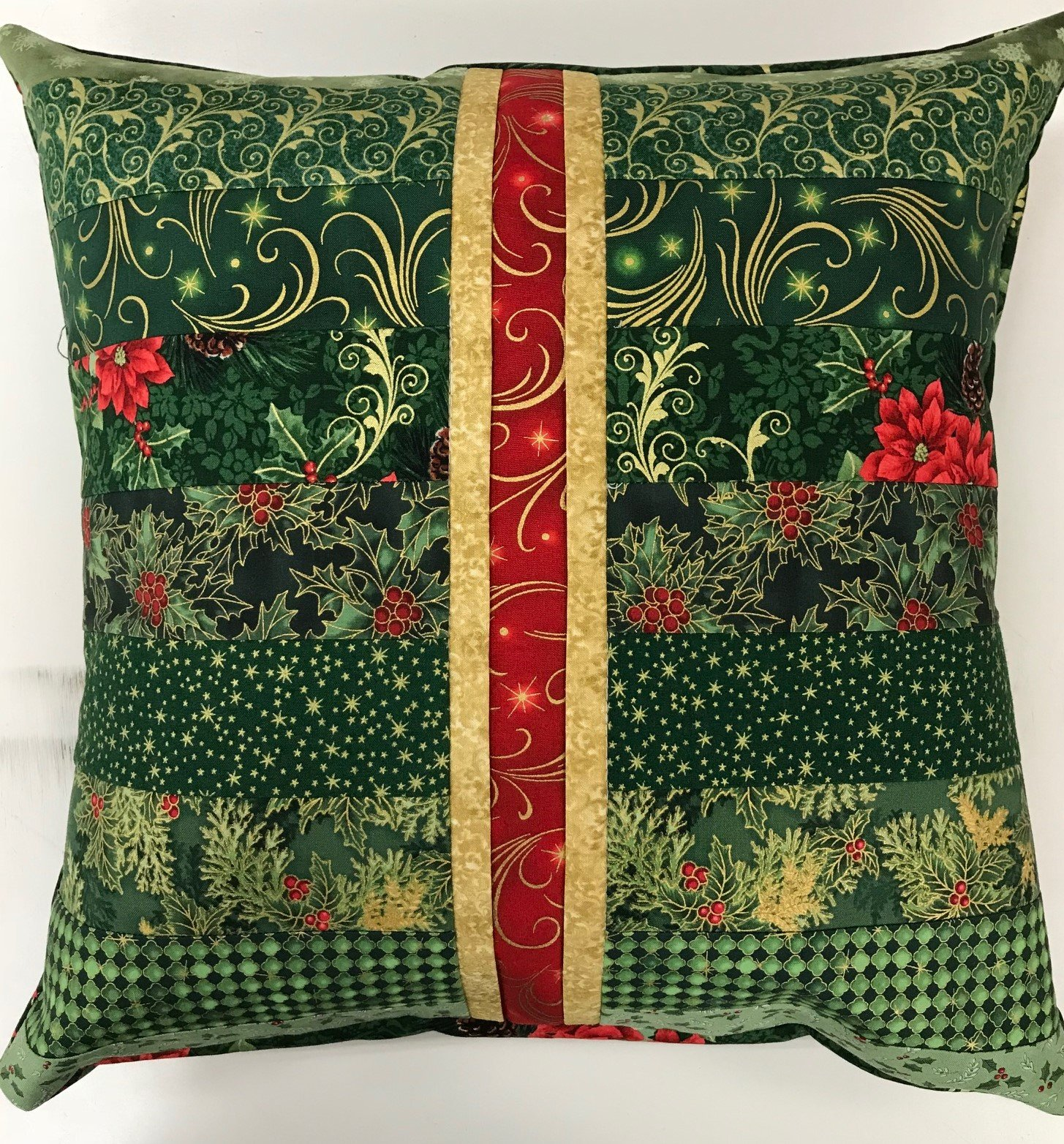 Beginner Rotary Cutter Pillow - Christmas 2 Version
