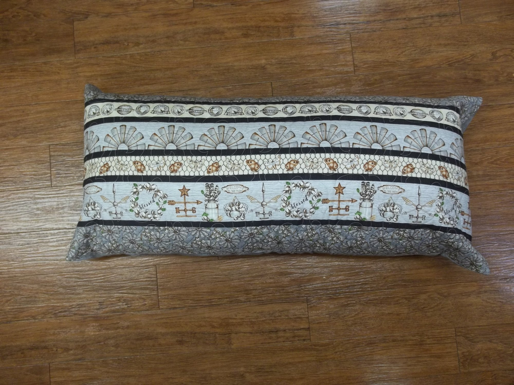 Decorative Pillow - Windmill