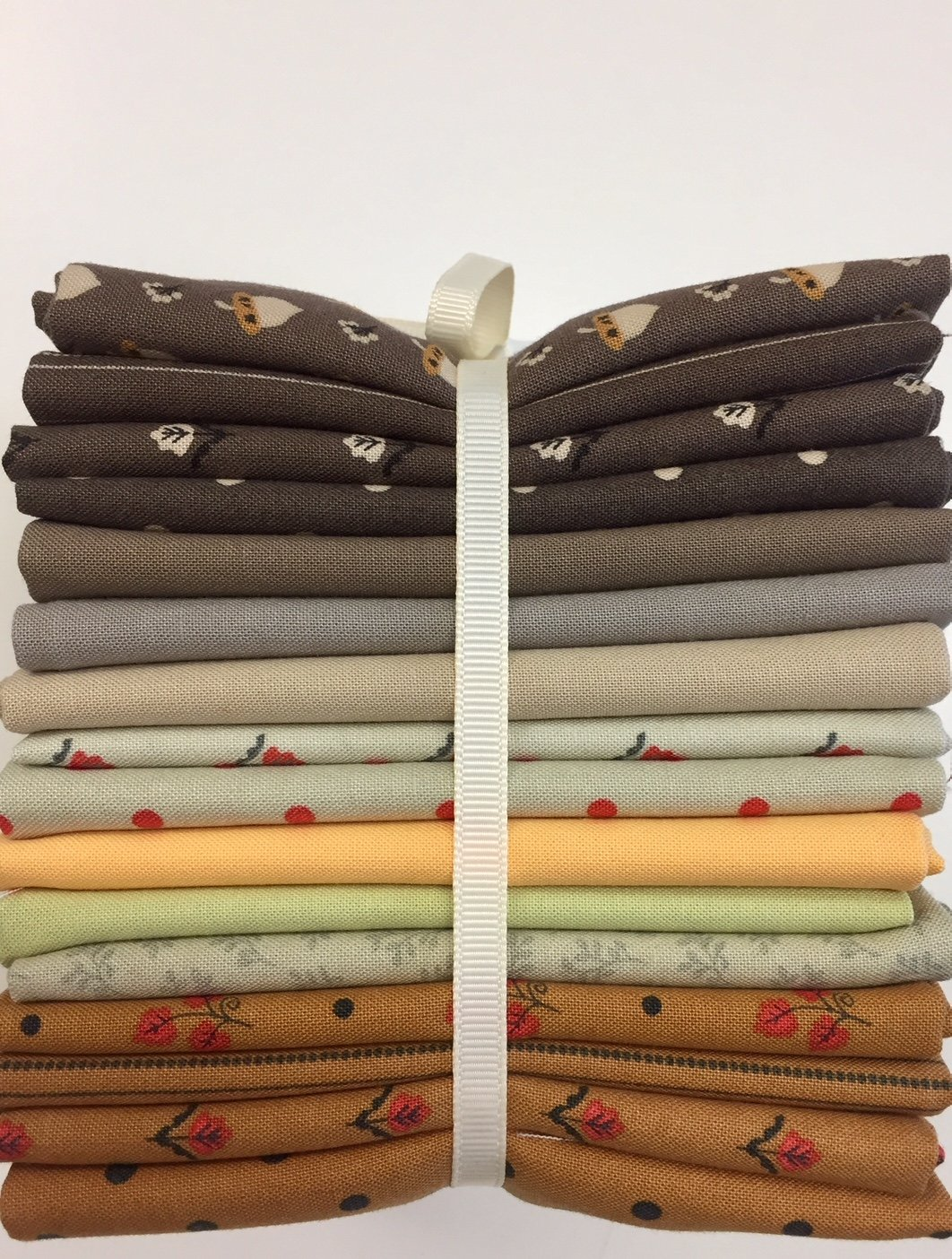 101 Maple Street Fat Quarter Bundle #1,  16 pieces
