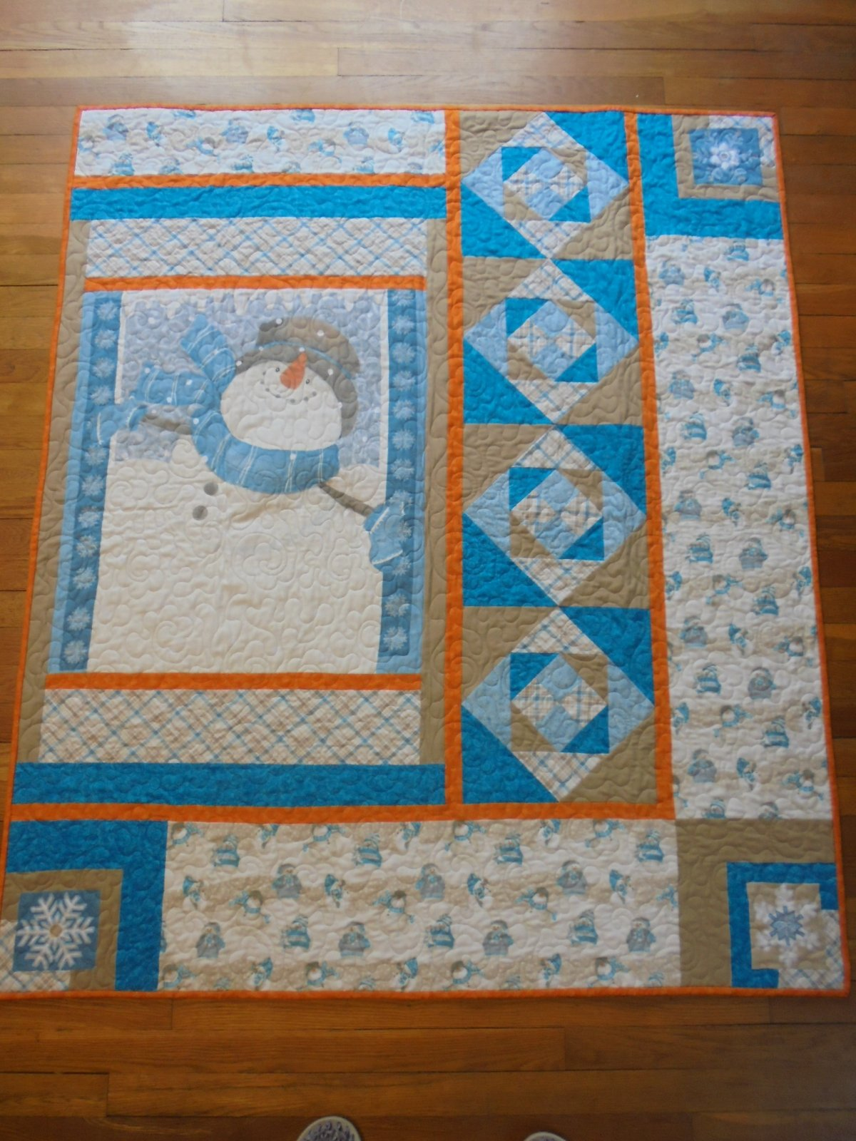 HERE COMES FROSTY QUILT KIT