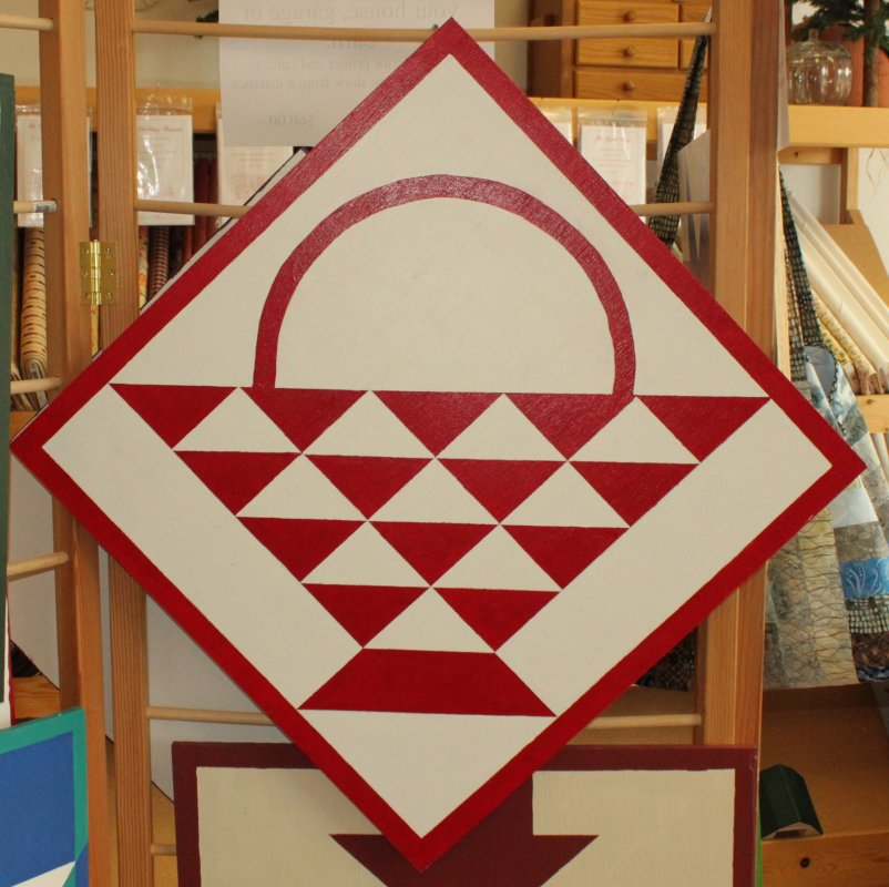 Quilt barn Block red/white basket