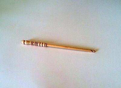 SIZE D CROCHET HOOK by BRITTANY
