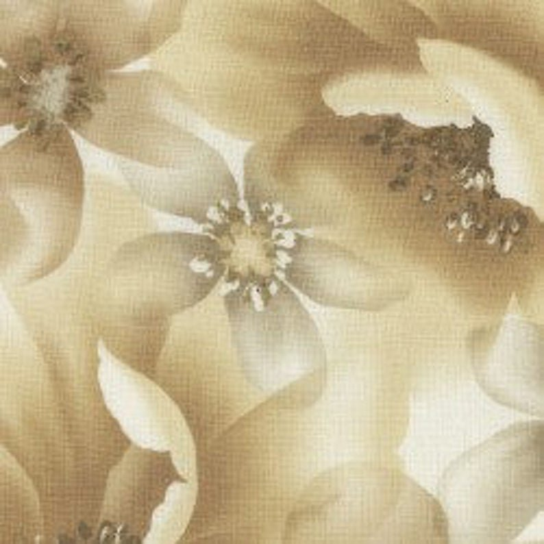 SERENITY LARGE BEIGE FLORAL BY MAYWOOD