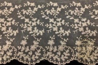 English Net Ecru Edging - Swirling Flowers - 7 Wide